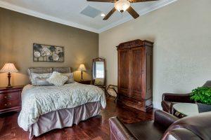 Esperanza Bedroom