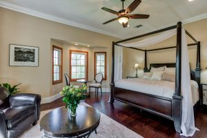 Royal Shasta Room